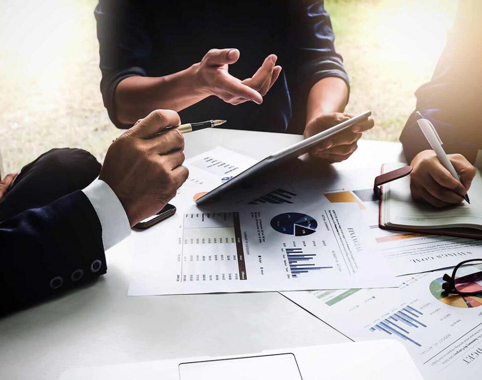 A team discussing inbound marketing strategies
